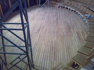 montaj deck amfiteatru