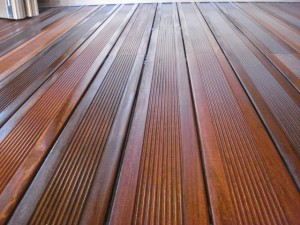 uleiere lemn exterior